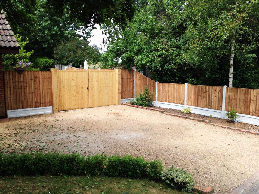 New Gate and Fence Feature Garden