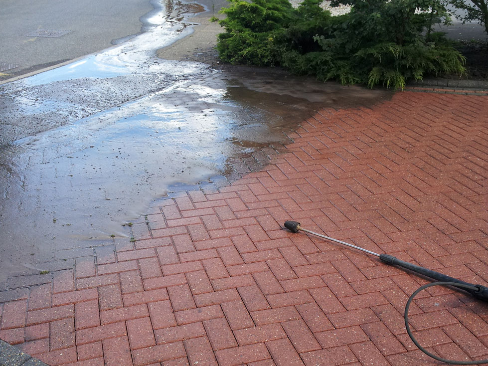 Pressure Cleaning Driveway Services