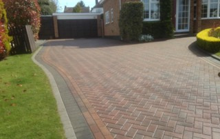 Pressure cleaning and sealed